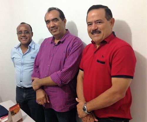 Prof. Cardoso (Dir. Geral campus Pedreiras), Totonho Chicote Prefeito de Pedreiras) e Raimundo Louro (ex-deputado Estadual)/Foto: Sandro Vagner