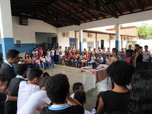 Alunos da U. E. Prof. Ernildo de Oliveira Gomes/Foto: Sandro Vagner